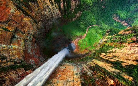 In this incredible capture by Dmitry Moiseenko, we look down the jaw-dropping Dragon Falls in Venezuela