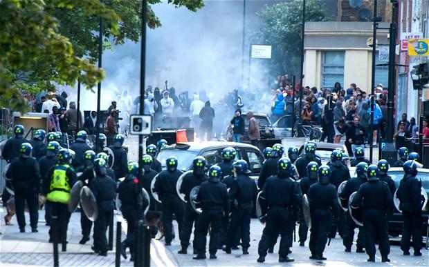 London-riots_2314012b