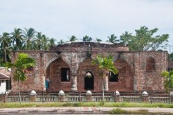 200 year old Krue Sac Mosque in Pattani, Southern Thailand