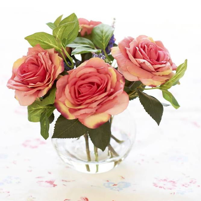 roses-in-glass-vase