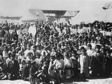 Children of Armenian refugees in a camp (Getty)