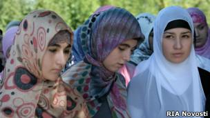 121220144424_hijab_girls_304x171_rianovosti