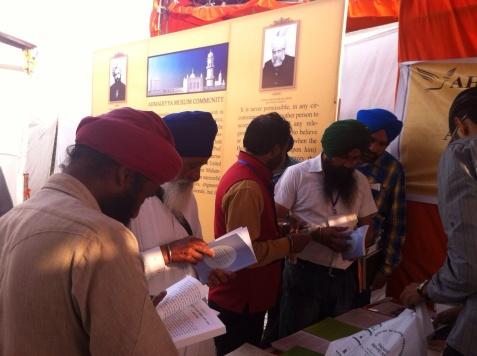 "India: Jama'at-e-Ahmadiyya participates in ""All India Marathi Literary Conference"" in Ghuman, Punjab"