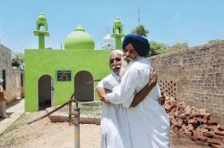 Sikh man builds a mosque for his lifelong Muslim friend