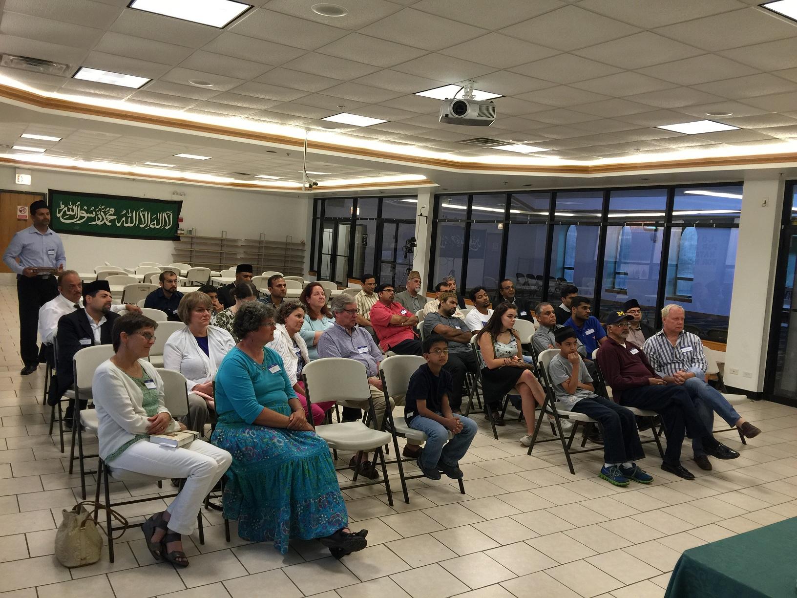 USA: Interfaith program held in Chicago's Ahmadiyya Mosque