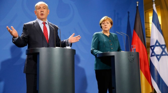 Israeli Prime Minister Benjamin Netanyahu and German Chancellor Angela Merkel hold a joint news conference at the Chancellery in Berlin, Germany October 21, 2015. © Fabrizio Bensch / Reuters