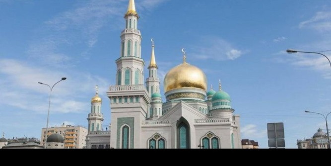Cathedral-Mosque-in-Moscow-Russia-02