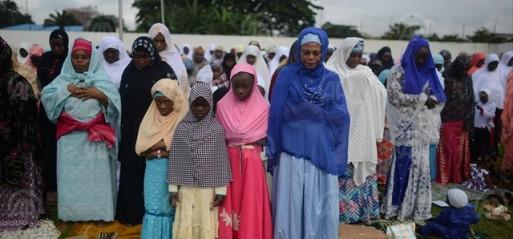 Nigeria-Muslim-women-Eid-al-Fitr-prayers-Syria-Sport-Club-Lagos-17-July-15-Pho-Mohammed-ElShamy-AA-513x239