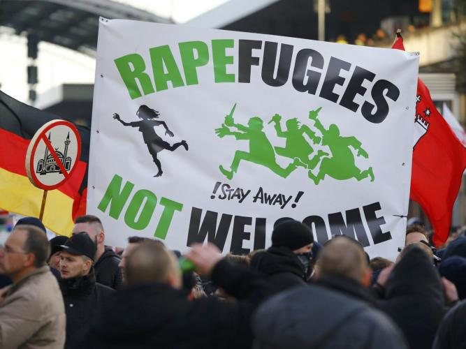 rapefugees Pegida-Cologne5