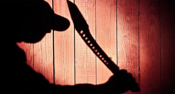 Silhouette-of-man-with-a-machete-Shutterstock-800x430
