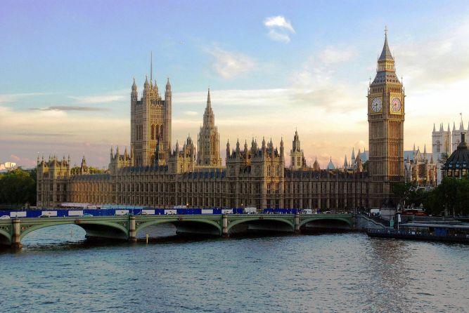 UK Parliament_at_Sunset