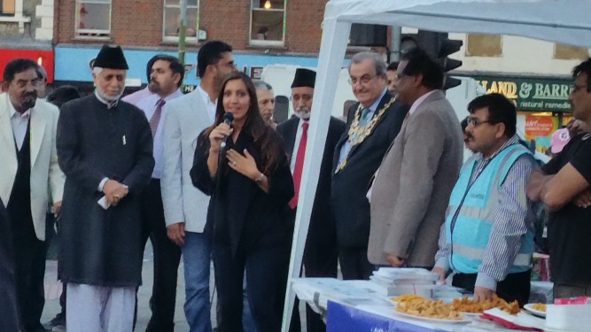 Ahmadiyya Muslim Community Tooting organised a World Peace Day prayer at Tooting Broadway station