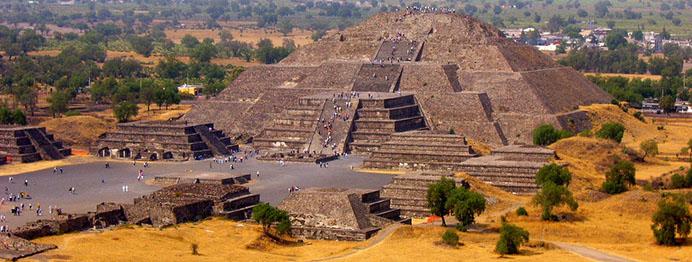 moon-pyramid
