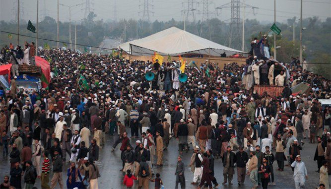 Faizabad Interchange protesters