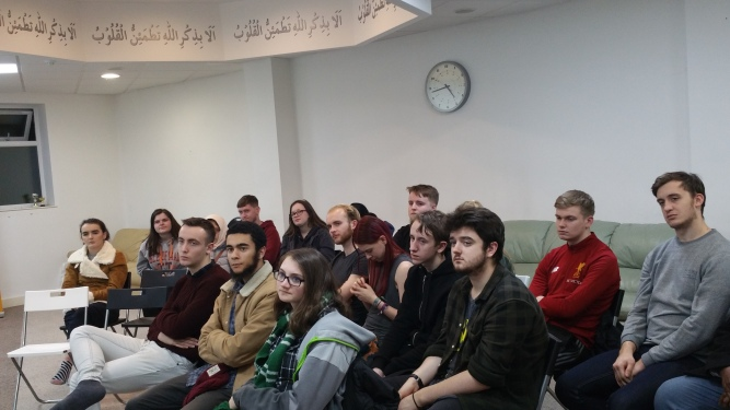 UK Liverpool University Theology Students Visit Ahmadiyya Muslim Community's Bait-ul-Atta Mosque2.jpg