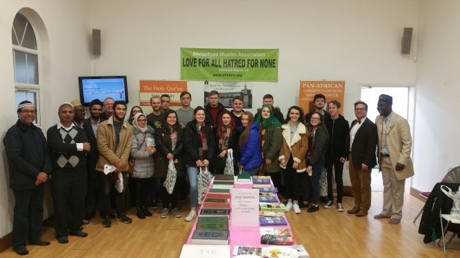 UK Liverpool University Theology Students Visit Ahmadiyya Muslim Community's Bait-ul-Atta Mosque4