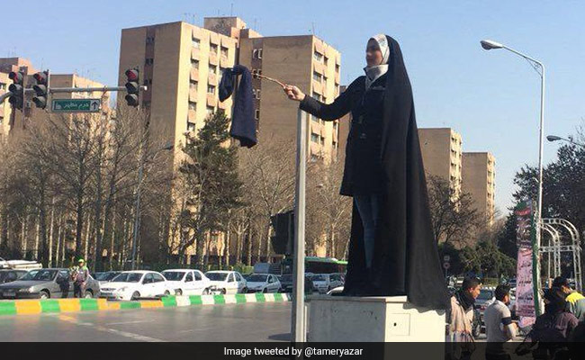 headscarf-protests-in-iran-twitter_650x400_71520564669