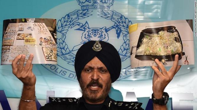 180627121817-malaysia-najib-police-01-exlarge-169