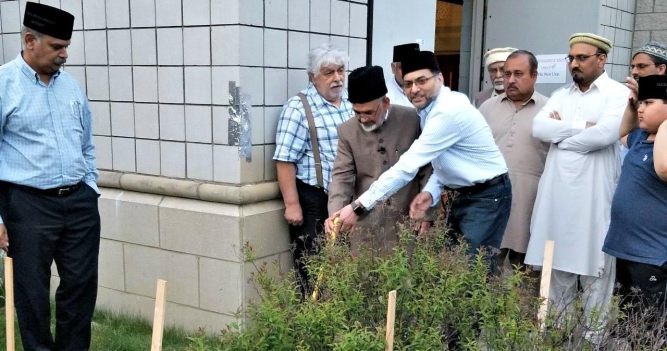 Ahmadiyya Muslim Community Detroit's Mahmood Mosque to have a Minaret similar to Minarat-ul-Maseeh1.jpg