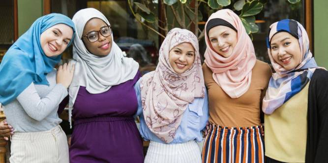 Non Muslims in Hijab