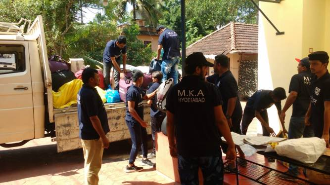 Ahmadiyya Muslim Community Hyderabad's Humanity First helping flood hit Kerala 2
