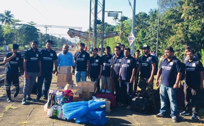 Ahmadiyya Muslim Community Hyderabad's Humanity First helping flood hit Kerala-3