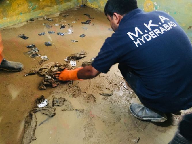 Ahmadiyya Muslim Community Hyderabad's Humanity First helping flood hit Kerala