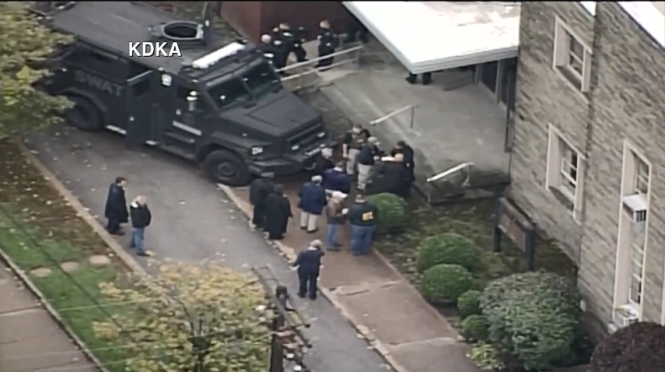 102718-wpvi-aerial-of-synagogue-shooting-scene-img