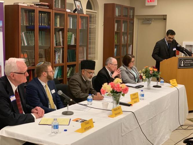 President Ahmadiyya Muslim Community Dayton welcoming the guests