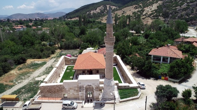 645x360-700-year-old-mosque-unearthed-restored-in-southern-turkeys-antalya