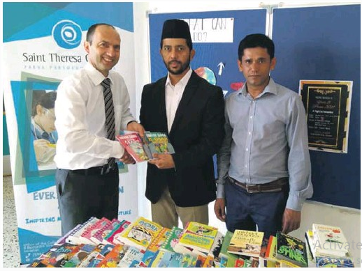 Malta: Ahmadiyya Muslim Jamaat donates books to Ta' Paris School