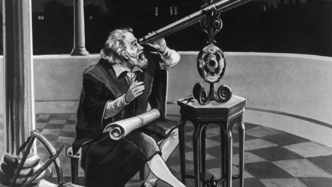 -galileo-galilei-1564---1642-using-a-telescope-circa-1620-photo-by-hulton-archivegetty-images