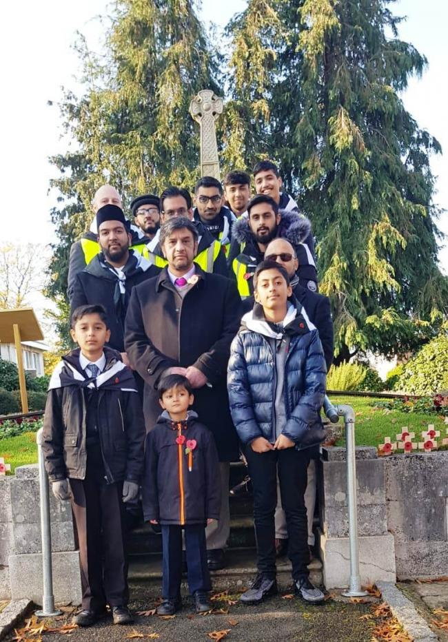 Ahmadiyya Muslim Community Slough & South Bucks lay wreaths at the Burnham, Cippenham & Slough war memorials on Remembrance Day