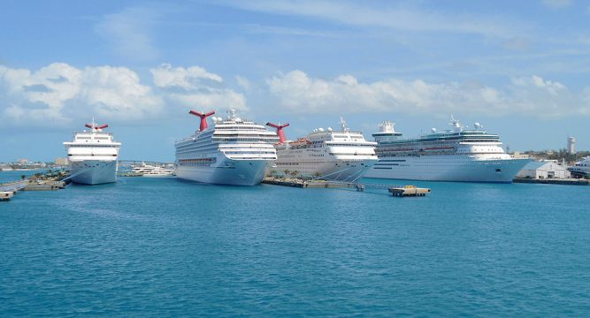cruise-ships_Roger-WFlickr-660x400@2x